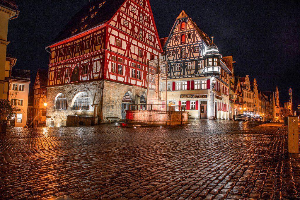 Marktplatz ao lado do hotel